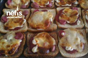 Yumuşacık Tost Pizza Tarifi