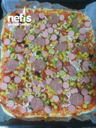 Fırın Tepsisinde Pizza