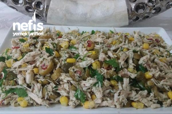Lezzetli Tavuk Salatası Tarifi