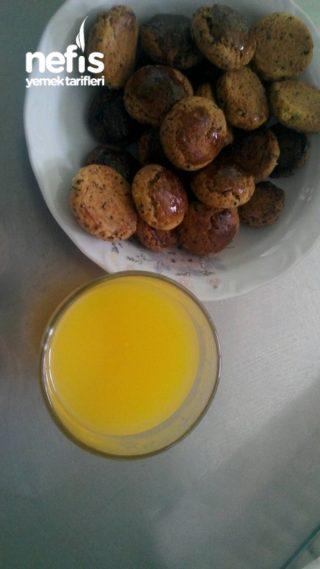 Mahlepsiz Çörek Otlu Kurabiye Ve Yanında Sıcak Portakal Suyu :)