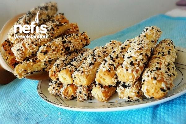 Pastane Usulu Susamlı Çörekotlu Küçük Çörekler