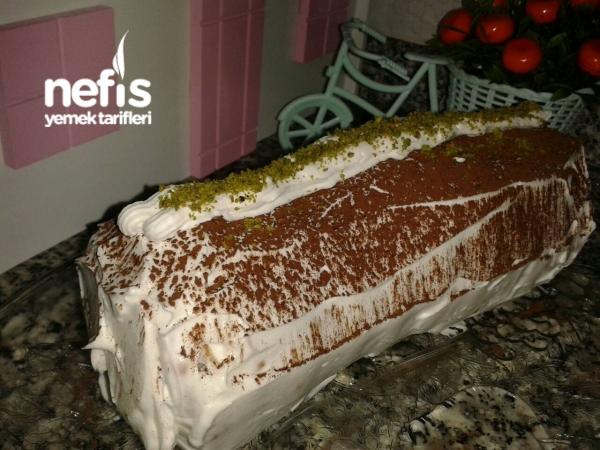 3 Malzemeyle Silindir Sekilli Pasta