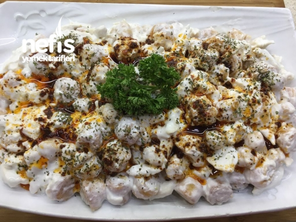 Çıtır Yufkalı Tavuklu Nohutlu Gün Salatası