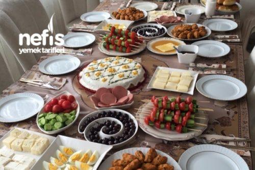 Kardeşlerimizle Güzel Mi Güzel Pazar Kahvaltısı Tarifi