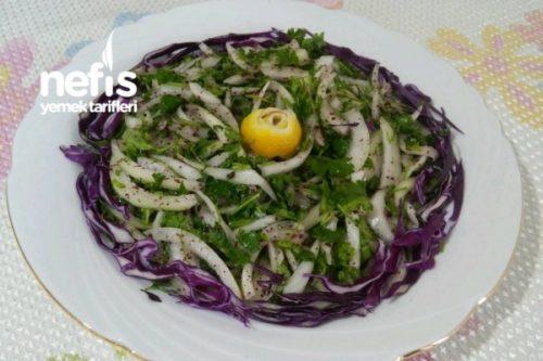 Kebapçı Soğan Salatası (Antep) Tarifi