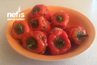 Bulgurlu Kırmızı Biber Dolması (Diyete Uygun) Tarifi