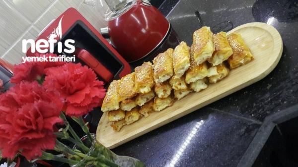 Baklavalık Yufkadan Peynirli Börek