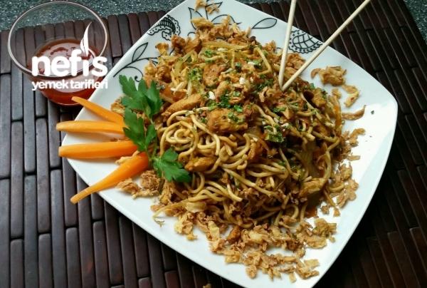 Çin Makarnası (chinapfanne )