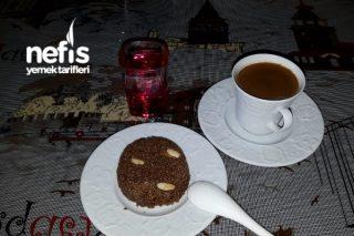 Damla Çikolatali İrmik Helvası Tarifi