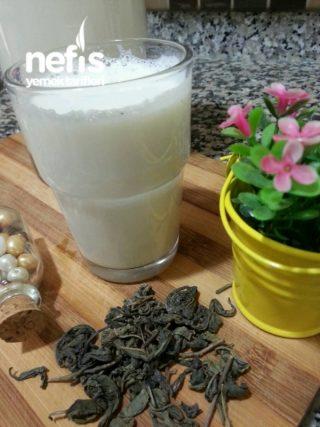 Yeşil Çaylı Süt Detoksu (1 Günde 1 Kilo)
