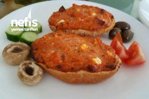 Bayat Ekmek Pizzası (Kahvaltıda Süper) Tarifi