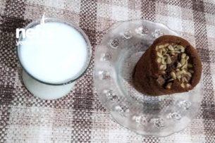 Kağıt Bardakta İçi Fıstıklı Çikolata Kaplı Kek Tarifi