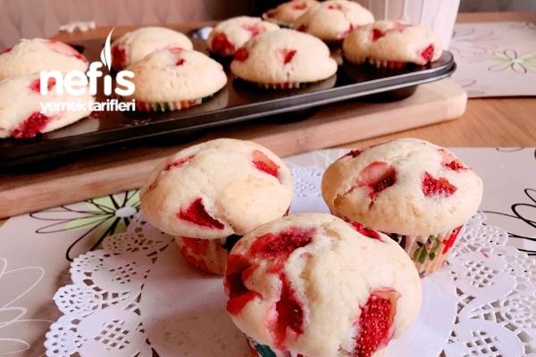 Çilekli Muffin (Çok Kabaran)