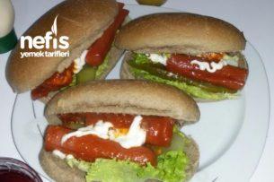 Sosisli Sandviç Tarifi