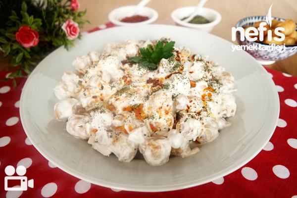 Çıtır Yufkalı Tavuklu Nohut Salatası (Videolu) Tarifi