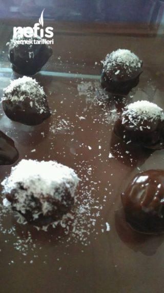 Minik-lokmalık Bisküvi Topları