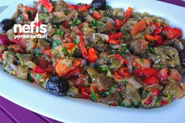Manca (Köz Patlıcan Biber Salatası) Tarifi