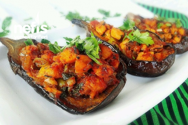 Nefis Tavuklu Patlıcan Çanakları Tarifi