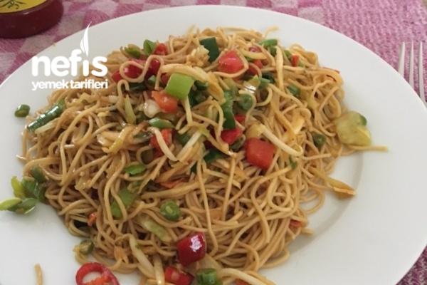 Sebzeli Çin Makarnası Tarifi