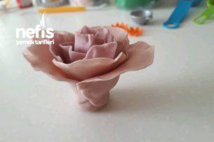Şeker Hamurundan Çiçekler Tarifi