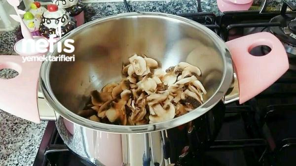 Kremalı Tadında Nefis Mantar Çorbası