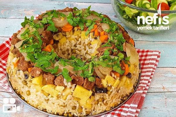 Kek Kalıbında Sebzeli Pilav Videosu Tarifi