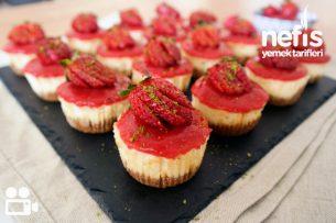 Çilekli Mini Cheesecake (Tam Ölçü, Videolu Anlatım) Tarifi