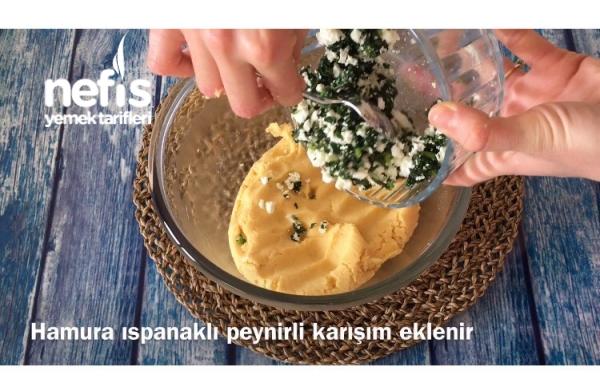Ispanaklı Peynirli Mısır Unlu Kıyır Poğaça
