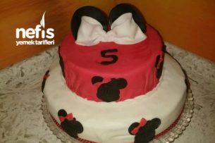 İki Katlı Mickey Mouse Pasta Tarifi
