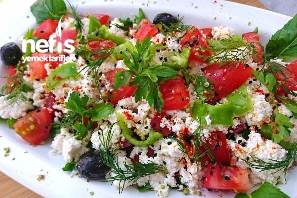 Peynirli Kahvaltılık Salata (Ege Çingen Pilavı) Tarifi