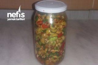 Sebzeli Zeytin Salatası Tarifi