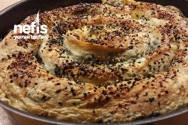 Kazayağı, Isırgan Ve Ispanaklı Börek
