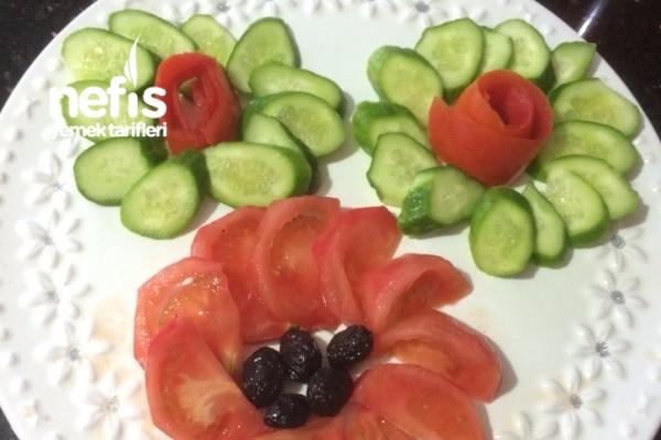 Domates Salatalık Sunumu