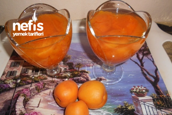 Limon Kabuğu Rendeli Taze Kayısı Kompostosu Tarifi