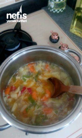 Bebeğime Tavuk Suyunda Sebze Çorbası
