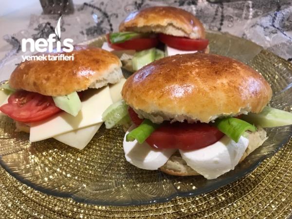 Yoğrulmayan Hamurla Sandviç Yapımı