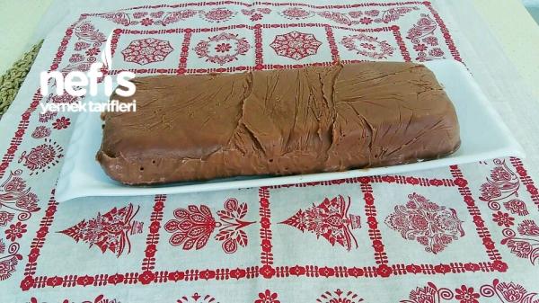 Kakaolu Kremalı Pratik Yaş Pasta