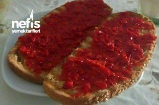 Kırmızı Biberli Kahvaltılık Tarifi