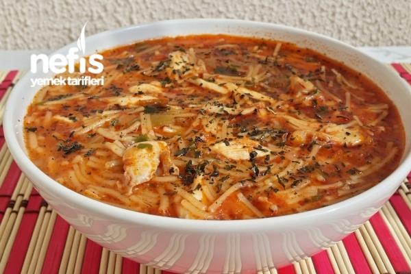 Tavuklu Sebzeli Şehriye Çorbası Tarifi