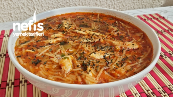 Tavuklu Sebzeli Şehriye Çorbası