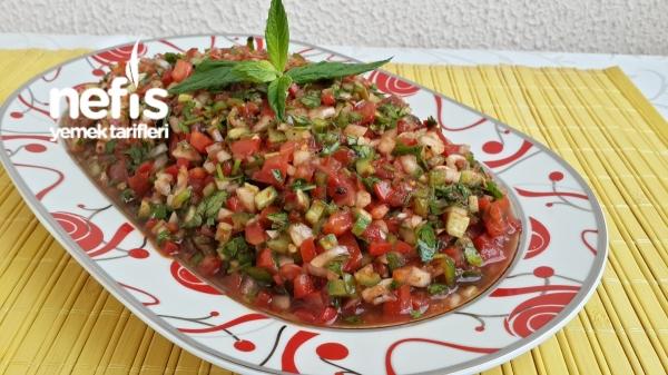 Kebapçı Ezme Salatası