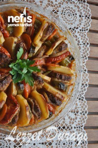 Fırında Sebzeli Köfte Dizmesi