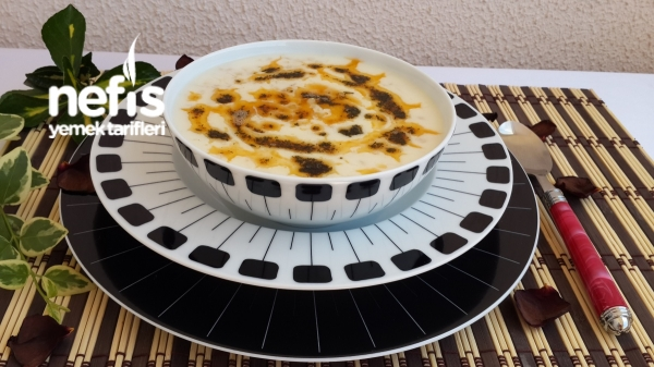 Nohutlu Yarmalı Yogurt Çorbası