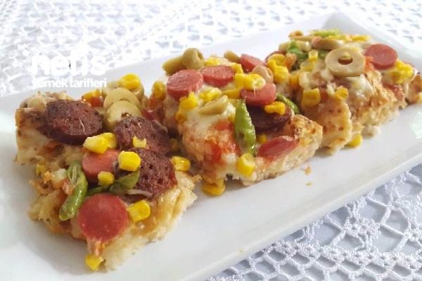 Bayat Pide Pizzası (Parmak Yedirten) Tarifi