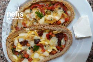 Sahur İçin Nefis Ekmekli Omlet Tarifi