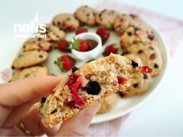 Çilekli Çikolatalı Cookies