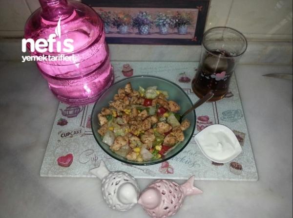 Tavuklu Nefis Salata