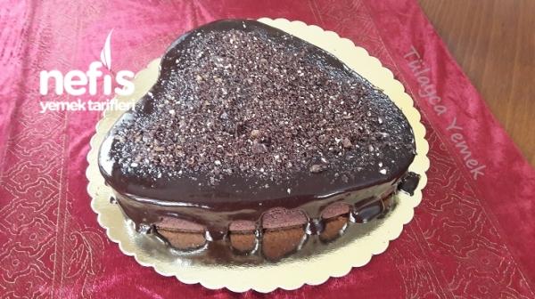 Çikolata Soslu Kakaolu Kek