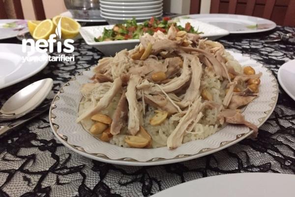 Maraş'ın Meşhur Tavuklu Fıstıklı Pilavı (Pişman Olmazsınız) Tarifi
