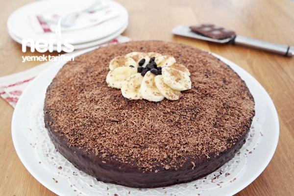 Pratik Yaş Pasta Tarifi (videolu)